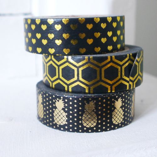 Masking tape hearts gold