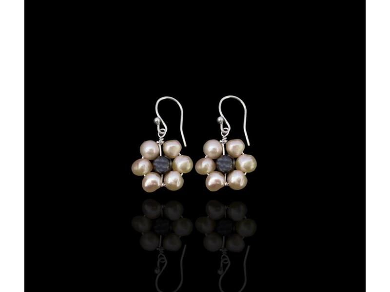 PEARL FLOWER EARRING-SMALL