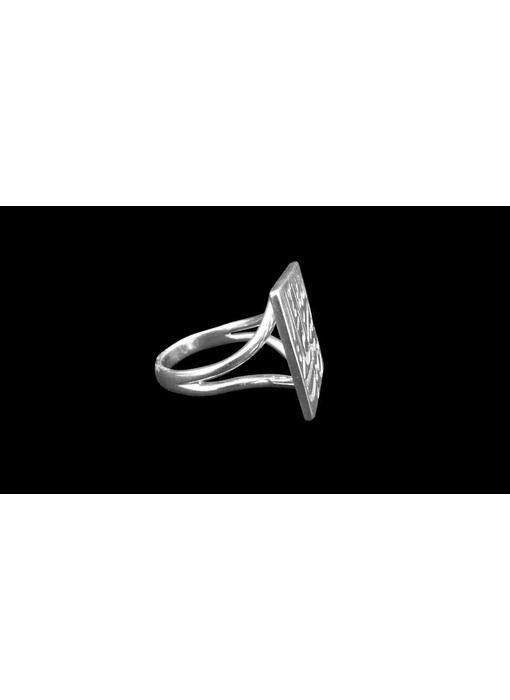 TAWAKALT RING WITH V BAND IN SILVER