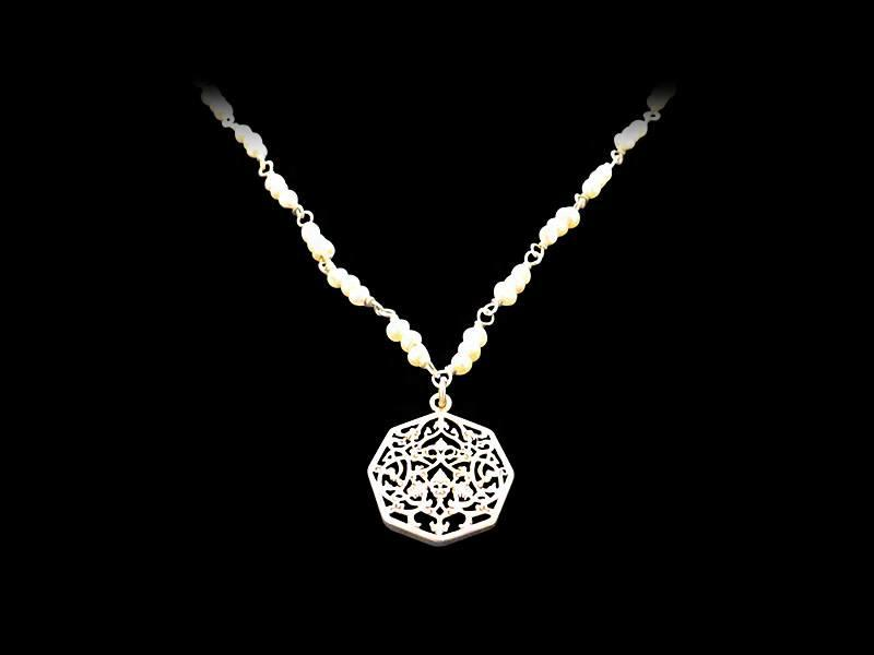 STONE NECKLACE WITH SILVER OCTAGON PENDANT