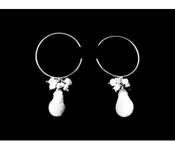 ROUND HOOP EARRINGS WITH PEARLS