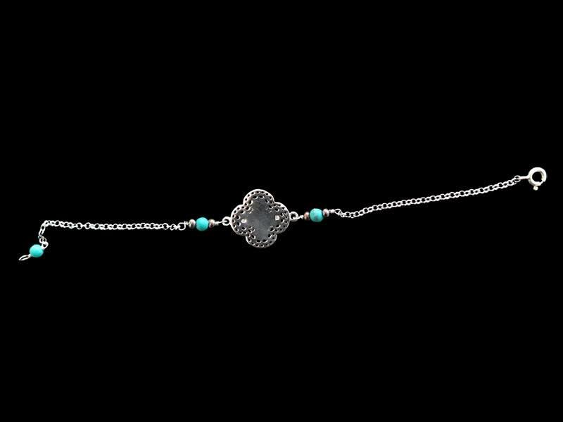 BRACELET WITH SMALL SILVER CLOVER