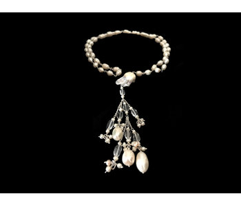 LONG PEARL NECKLACE WITH TASSEL AND ARABIC SCRIPT