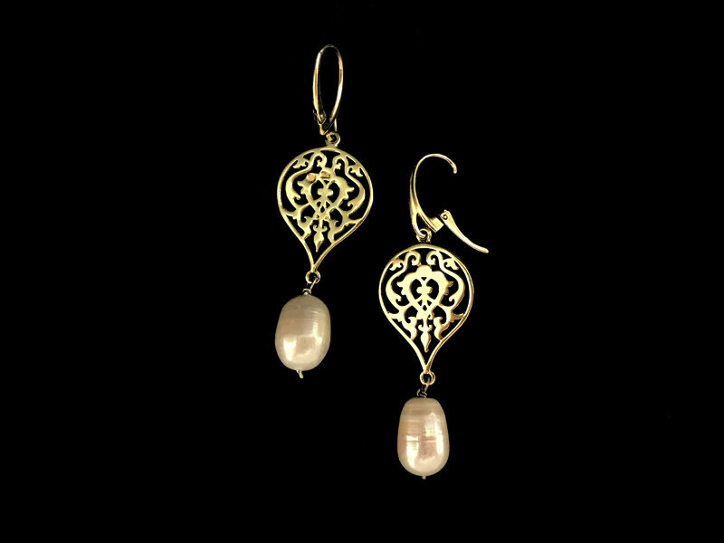 SMALL ARABESQUE SLV GP EARRING WITH DROP