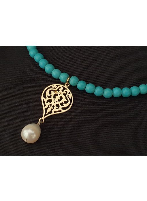 GEMSTONE NECKLACE WITH ARABESQUE MOTIF AND PEARL DROP