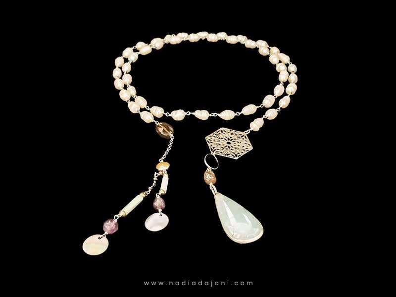 PEARL TIE NECKLACE WITH SMALL HEXAGON AND TASSELS