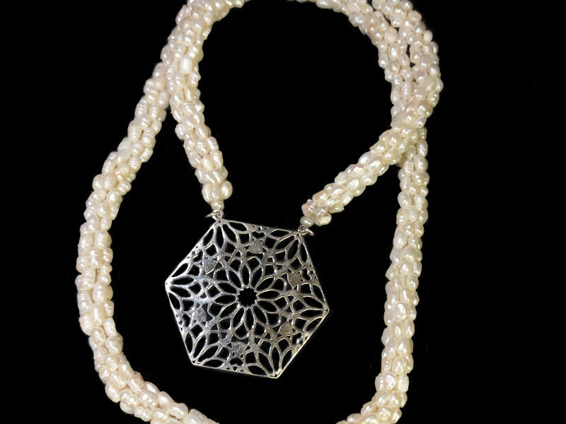 BABY PEARL LONG CROCHET NECKLACE WITH LARGE HEXAGON PENDANT