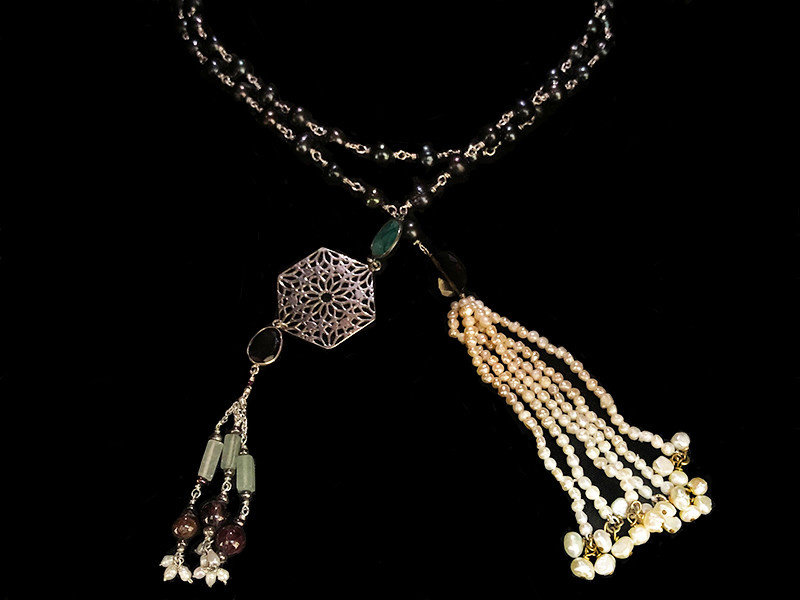 PEARL TIE NECKLACE WITH HEXAGON AND TASSELS
