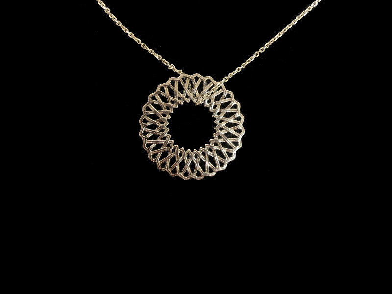 CHAIN NECKLACE WITH KARMA PENDANT LARGE