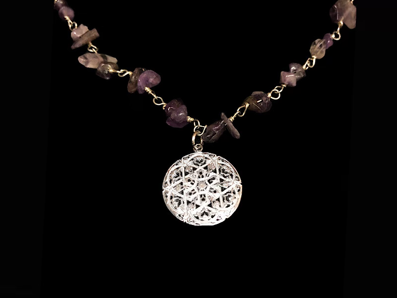 STONE WIRE NECKLACE WITH ANDALUCIAN PENDANT
