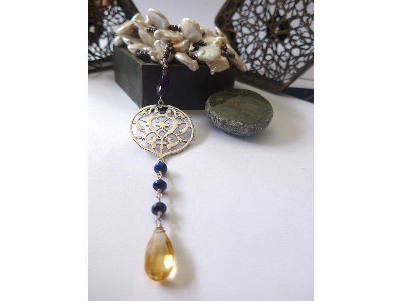 LONG KEISHI PEARL TIE WITH ARABESQUE & CITRINE