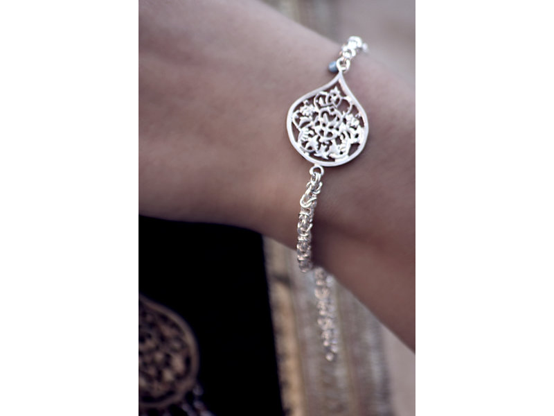 THICK CHAIN BRACELET WITH SMALL ARABESQUE
