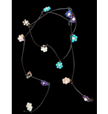 LEATHER TIE NECKLACE WITH FLOWERS