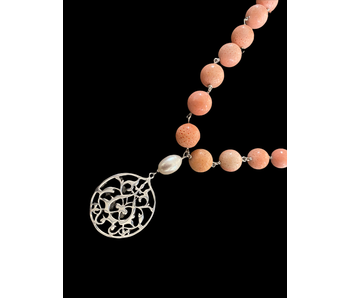 CORAL NECKLACE WITH ARABESQUE DROP