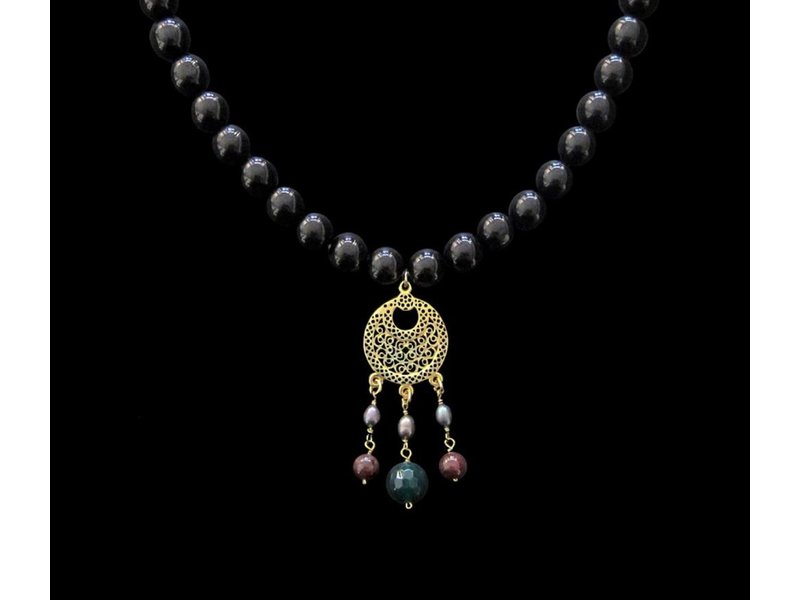 CRESCENT PENDANT WITH STONE NECKLACE
