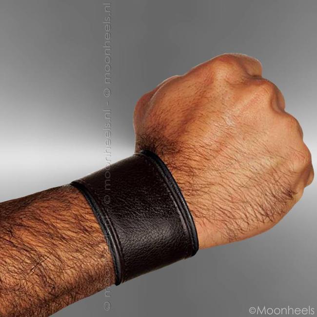 Handy wrist wallet made of Neoprene (rubber)