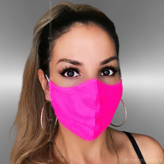 Fabric mouth mask in pink
