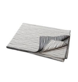David Fussenegger David Fussenegger plaid NOVA uneven-lines 145x220cm offwhite