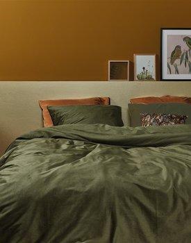 At Home by BeddingHouse Cosy Corduroy Dekbedovertrek  Groen 240 x 200/220 cm