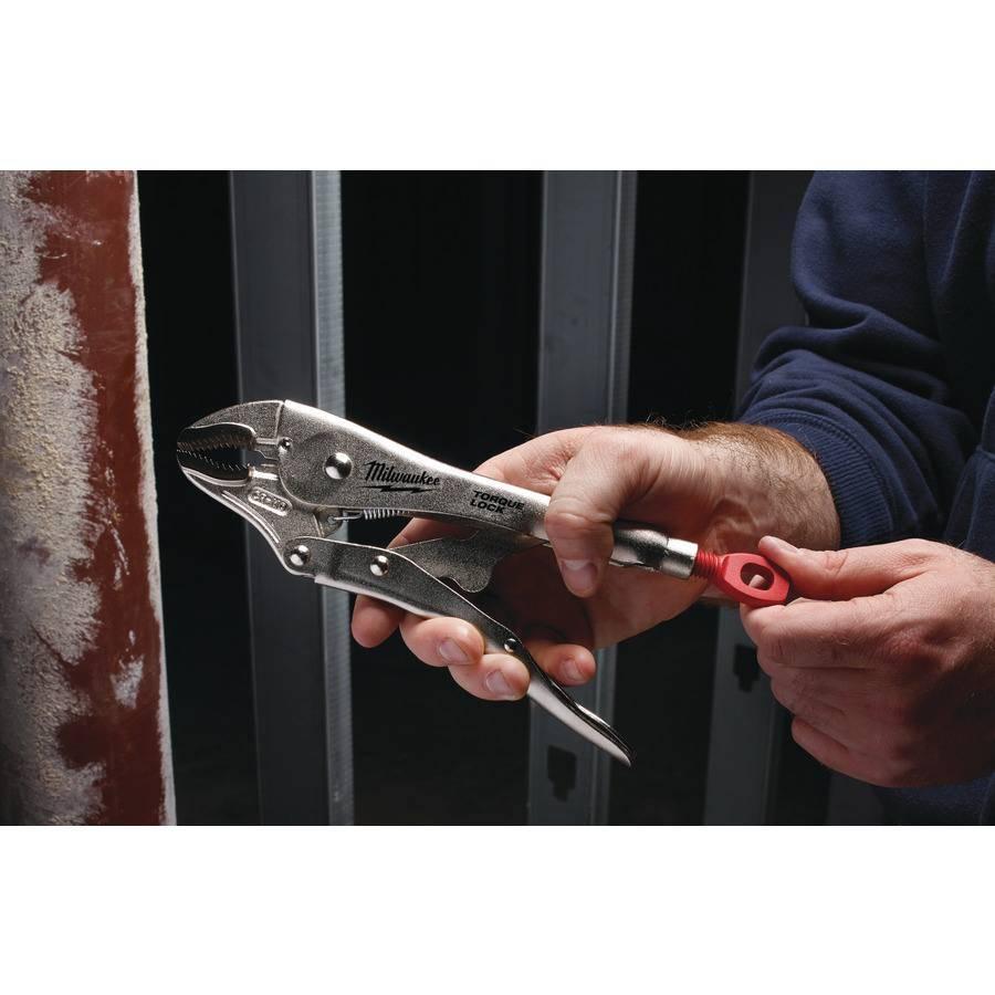 """Milwaukee 10"""" Torque Lock Griptang met gebogen klauw."""
