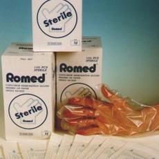 Romed Steriler Untersuchungshandschuh aus Kunststoff