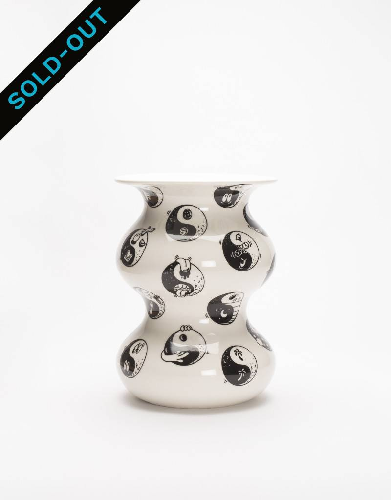 Case Studyo Vase Sincerely Yours