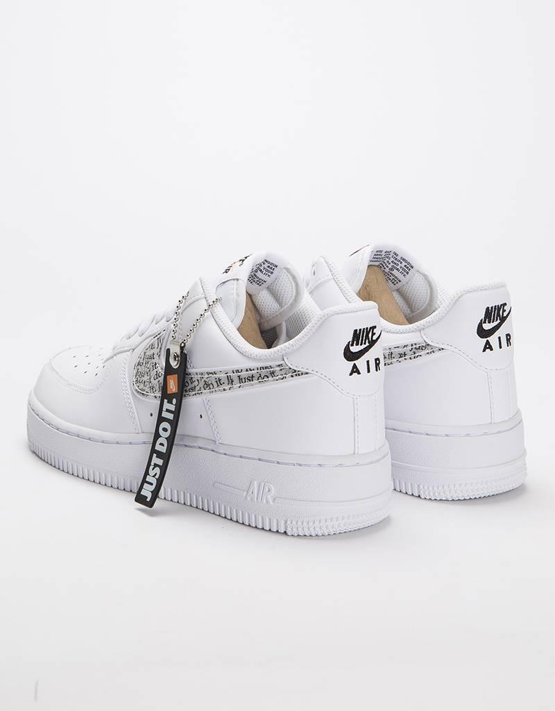 "Nike Air Force 1 '07 LV ""Just Do It"" White/white-black-total orange"