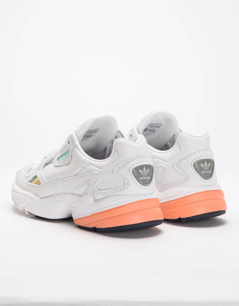 adidas Originals Womens Falcon Crywht / Crywht / Easora
