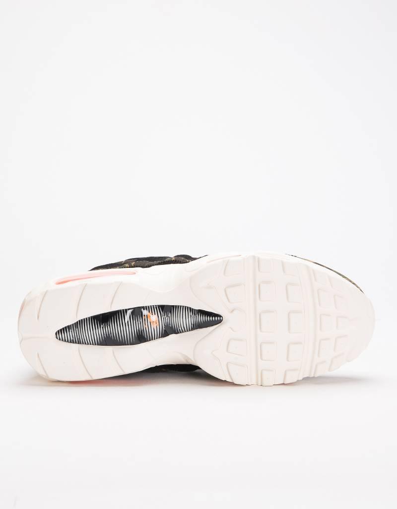 Nike X Carhartt WIP Air Max 95 Black/Total Orange-Sail
