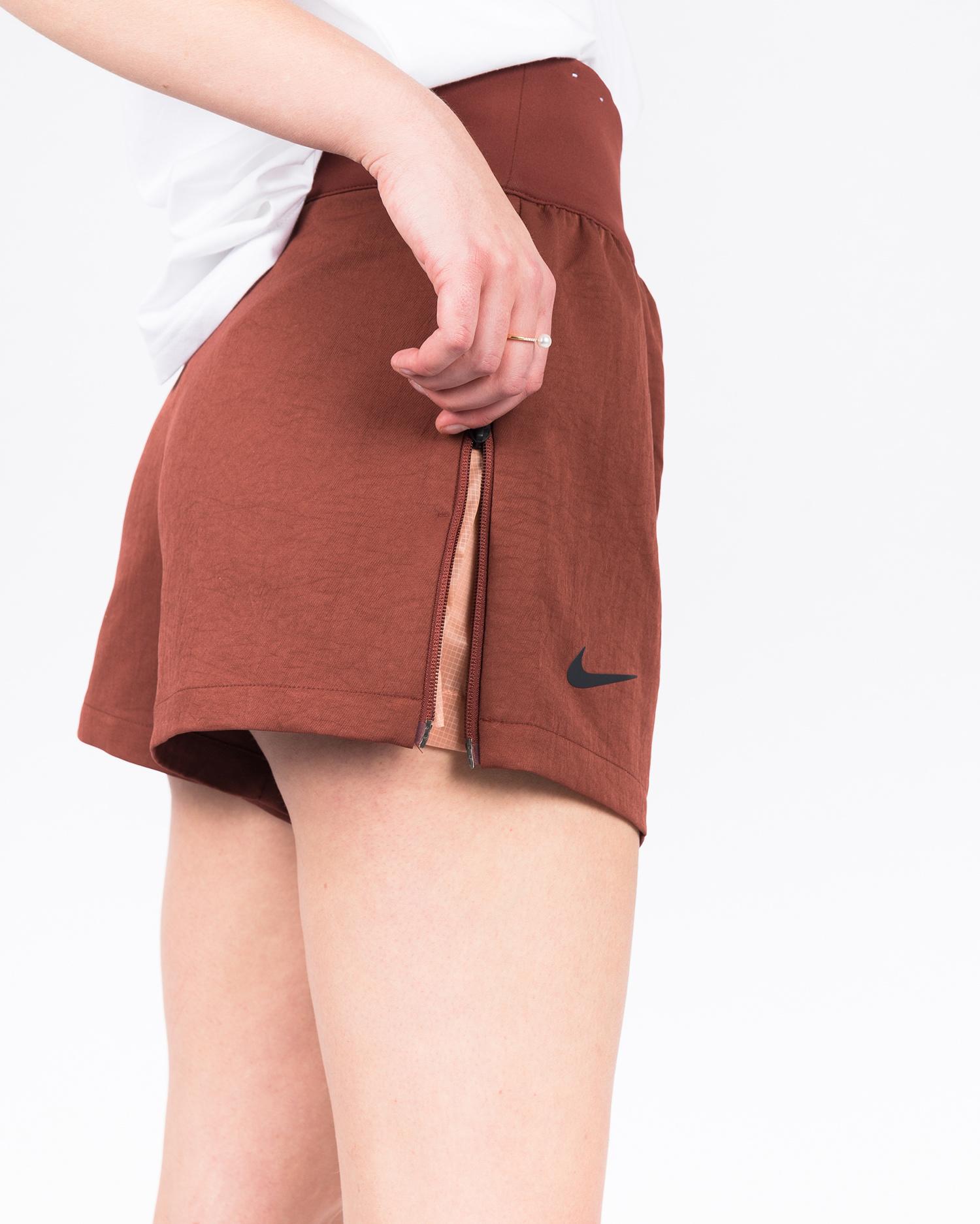 Nike W Sportswear Tech Pack Short Wvn  Pueblo Brown/Black