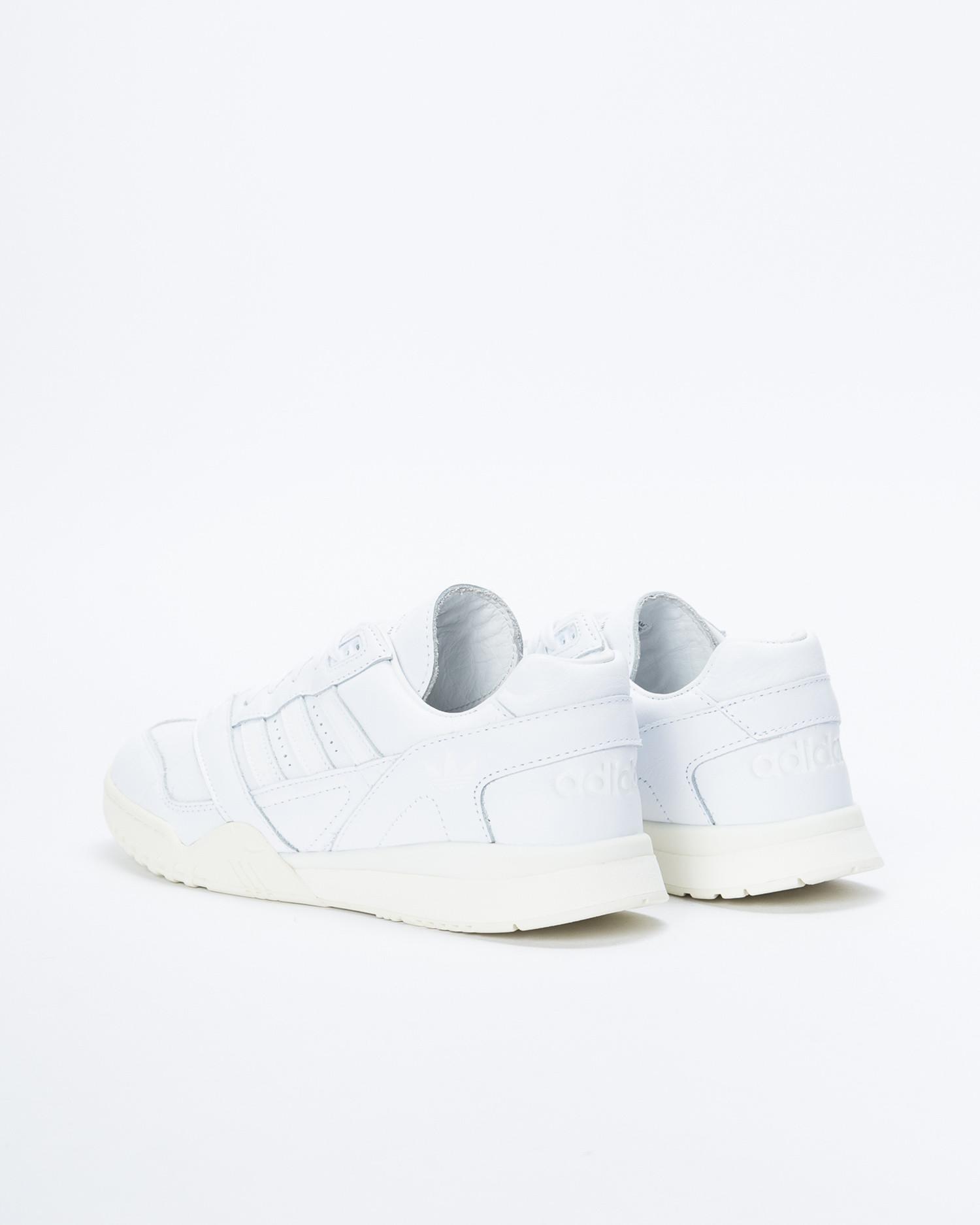 Adidas A.R. Trainer Ftwwht/Ftwwht/Owhite