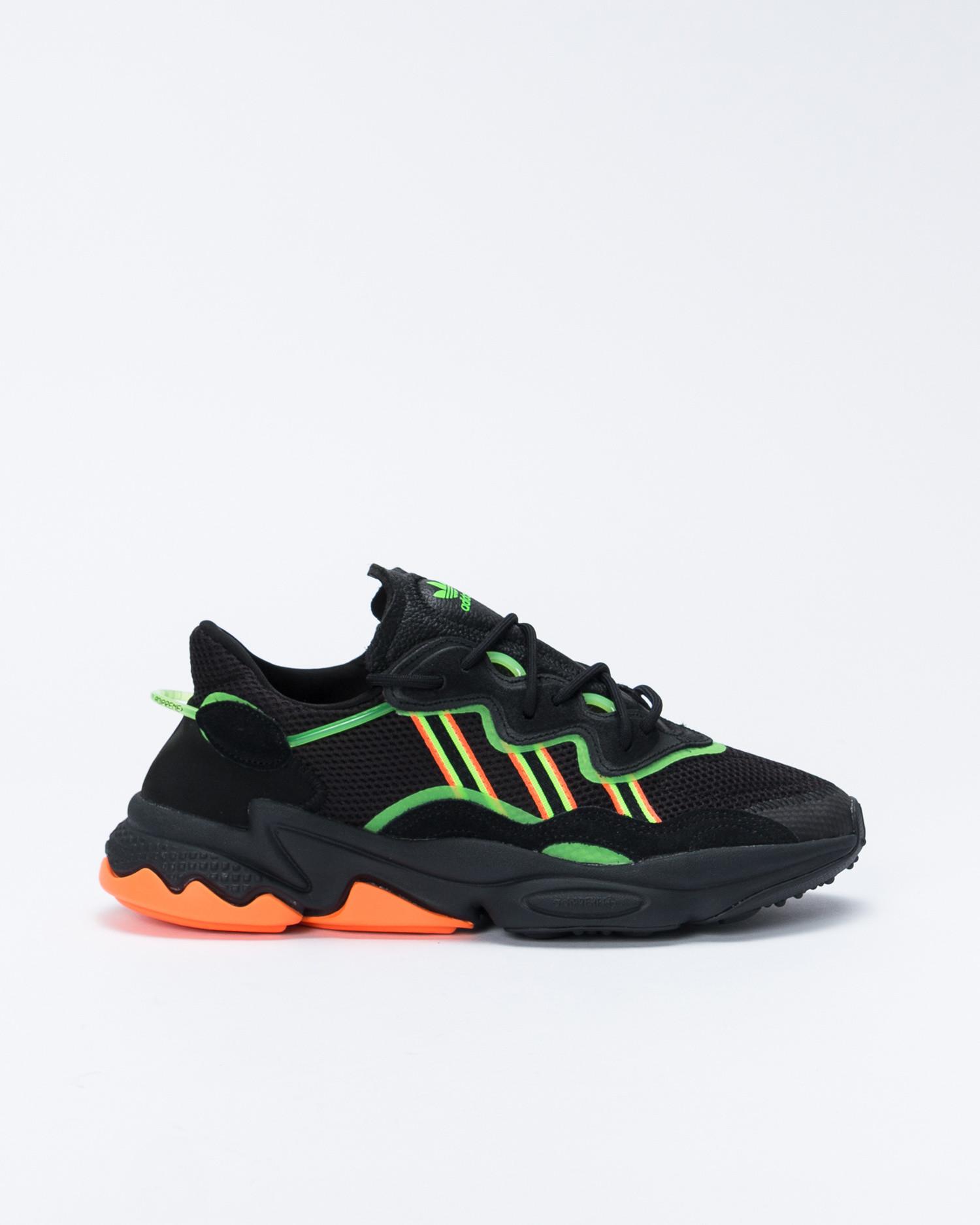 adidas Ozweego Core Black/Solar Green/Hi-res Coral