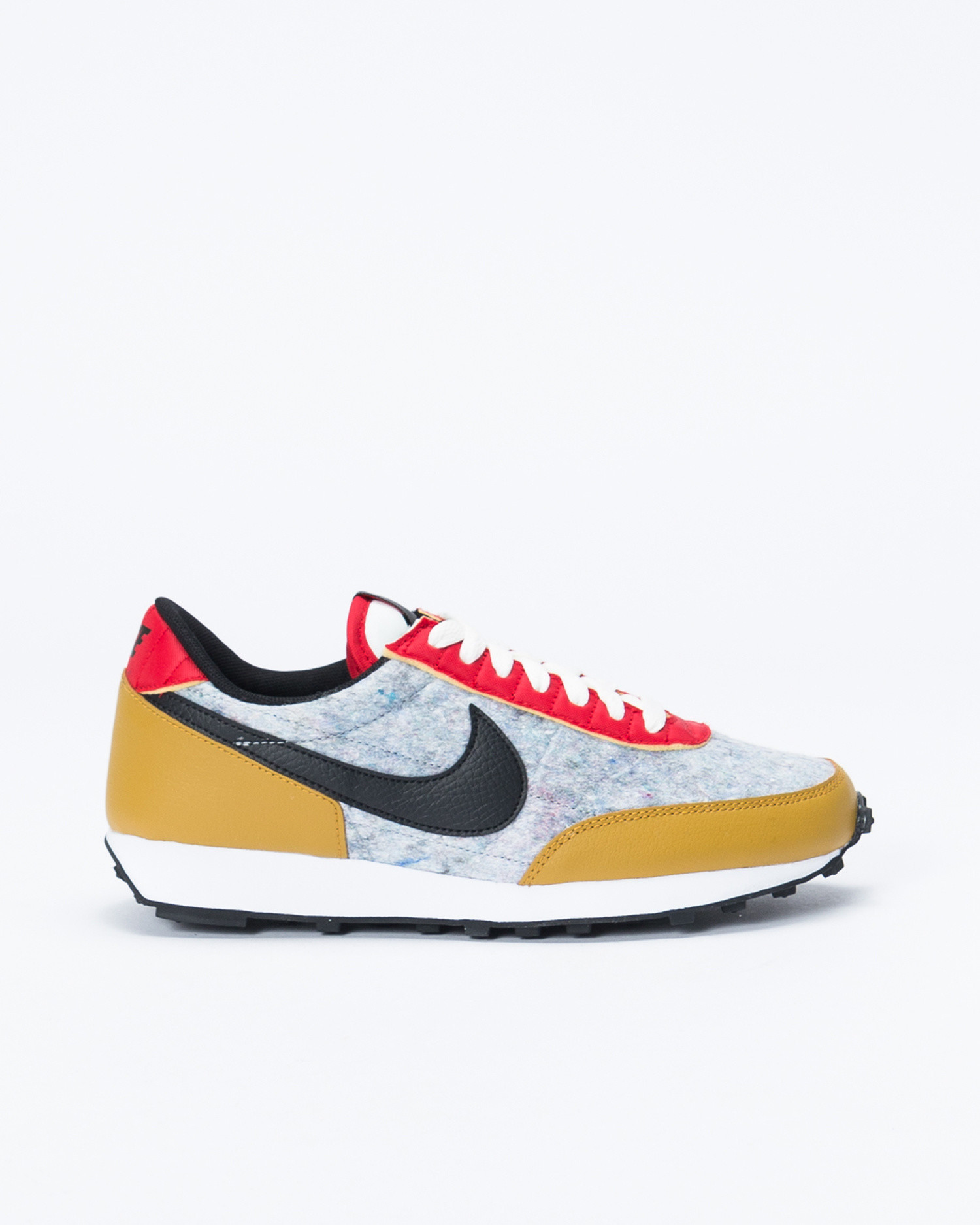 Nike W Daybreak Gold suede/Black/University Red-Sail