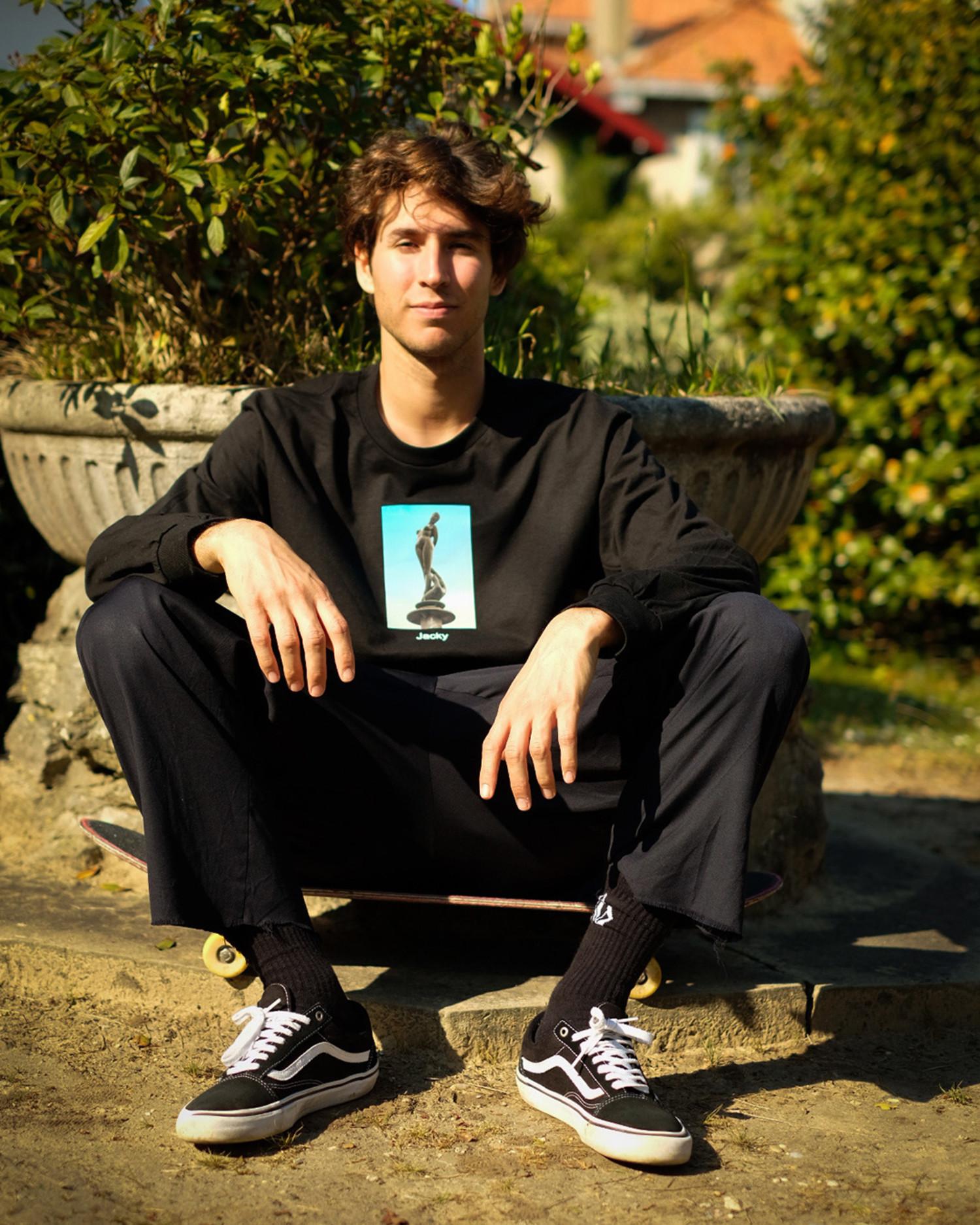 Jacky Longsleeve T-Shirt Statue Black