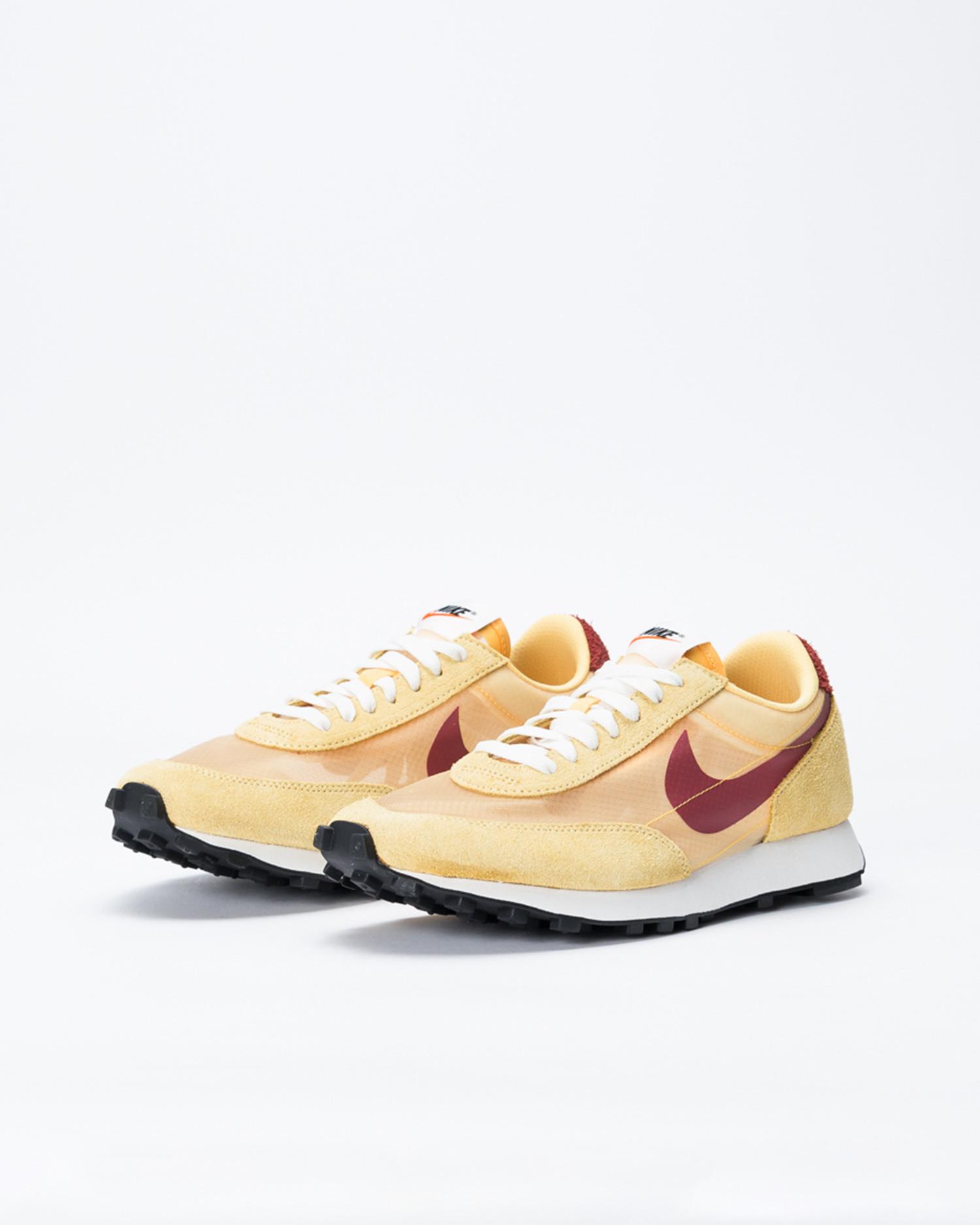 Nike Daybreak sp Topaz gold/cedar-lemon wash-summit white