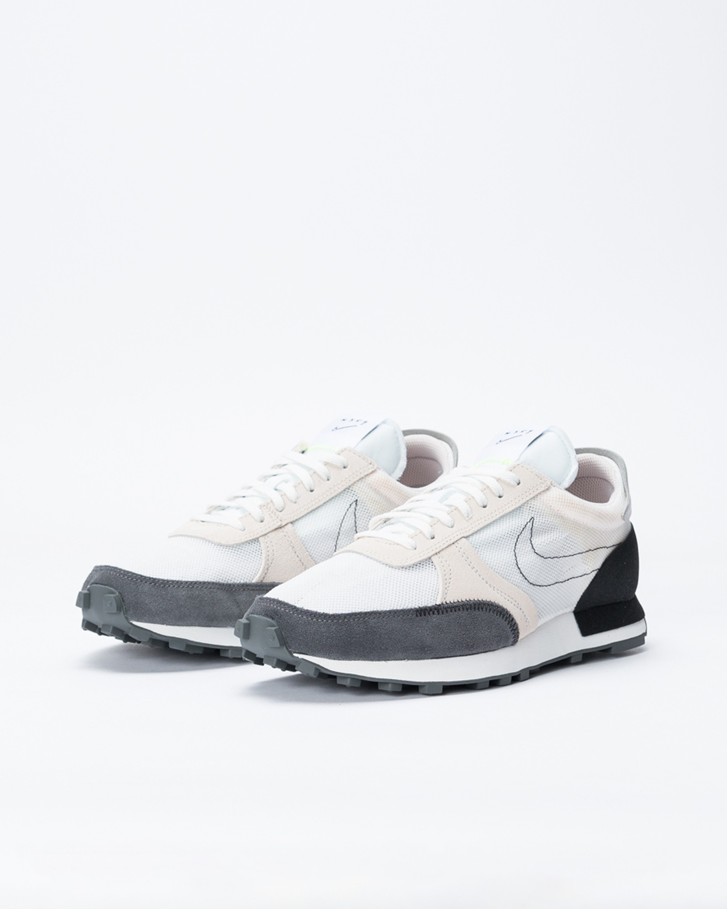 Nike Daybreak Type summit white/black-lt orewood brn