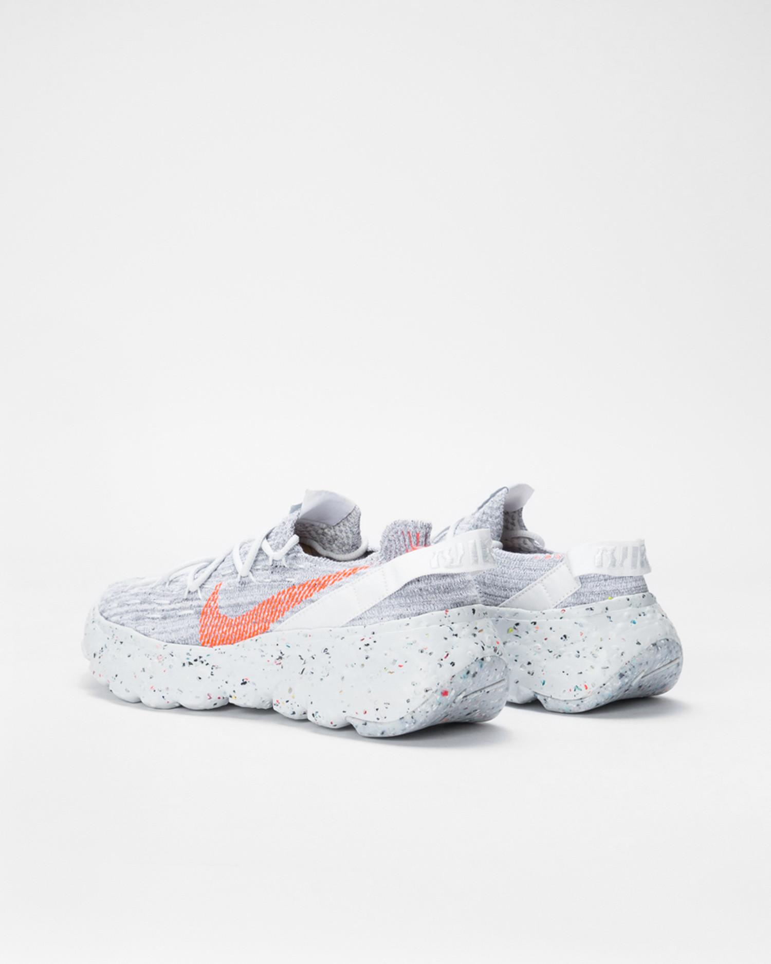 Nike W Space Hippie 04 summit white/hyper crimson