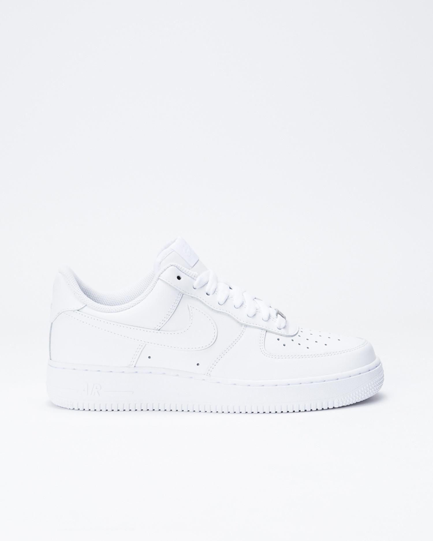 Nike Women's Nike Air Force 1 '07 Shoe white/white