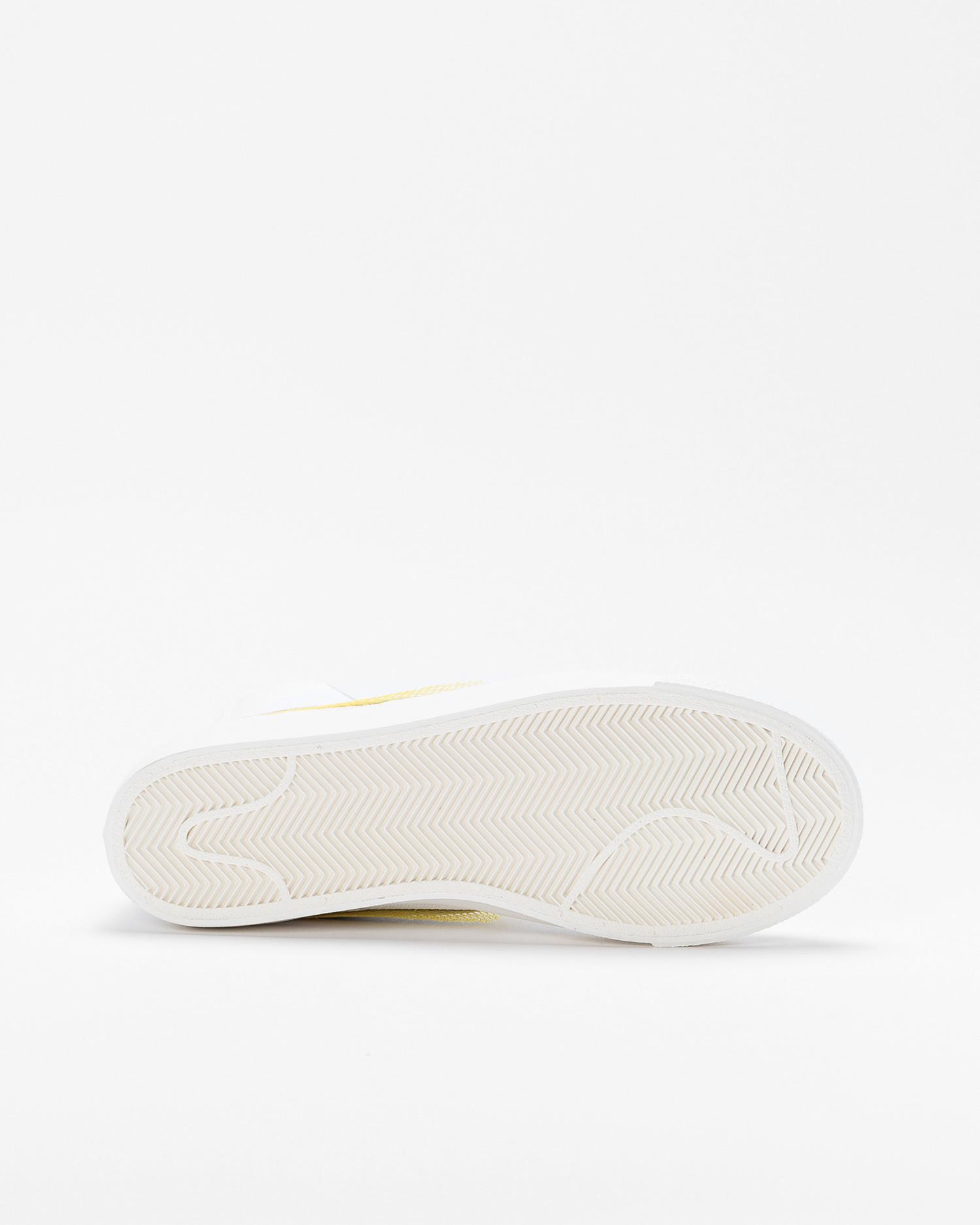 Nike Wmns Blazer Mid vntg'77 White/metallic silver-university gold