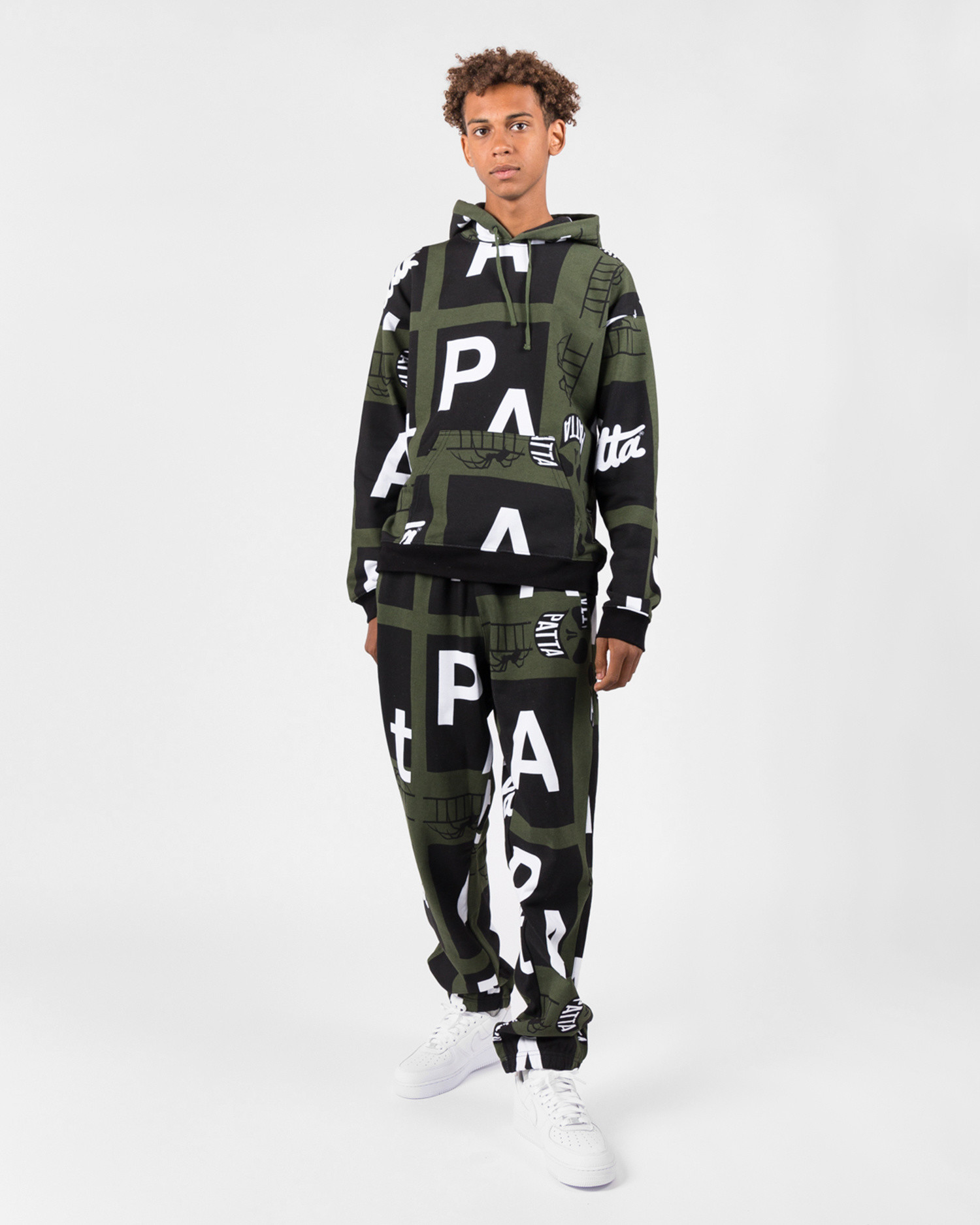 Patta Spider All Over Jogging Pants Rifle Green