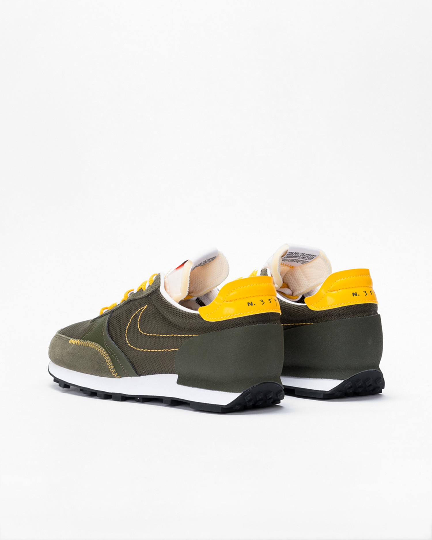 Nike dbreak-type  Cargo khaki/university gold-sail-white