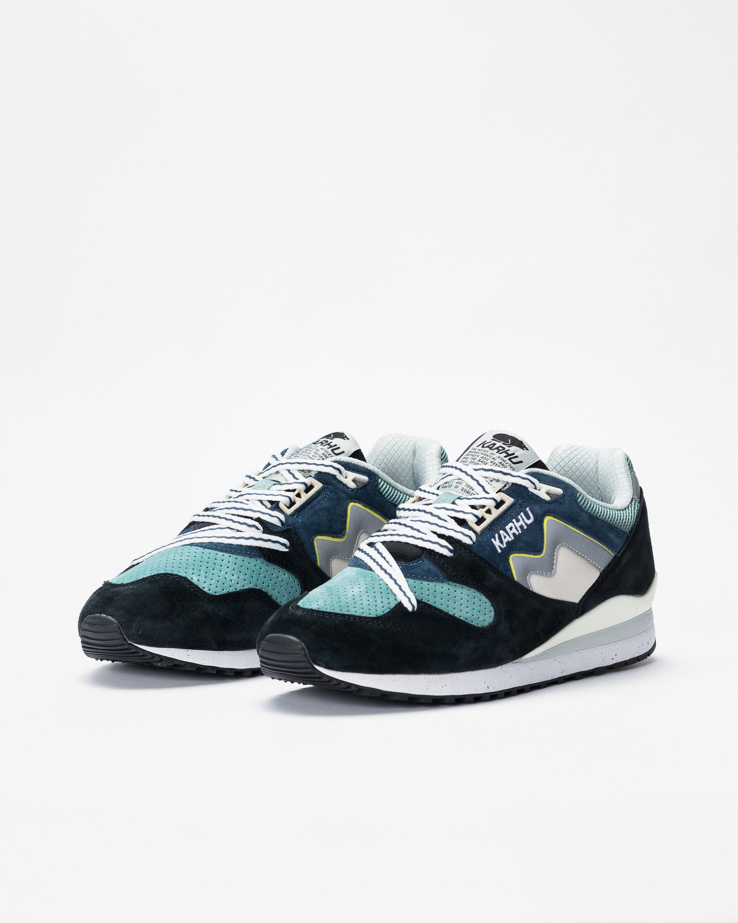 Karhu Synchron Classic Jet Black/Blue Wing Teal