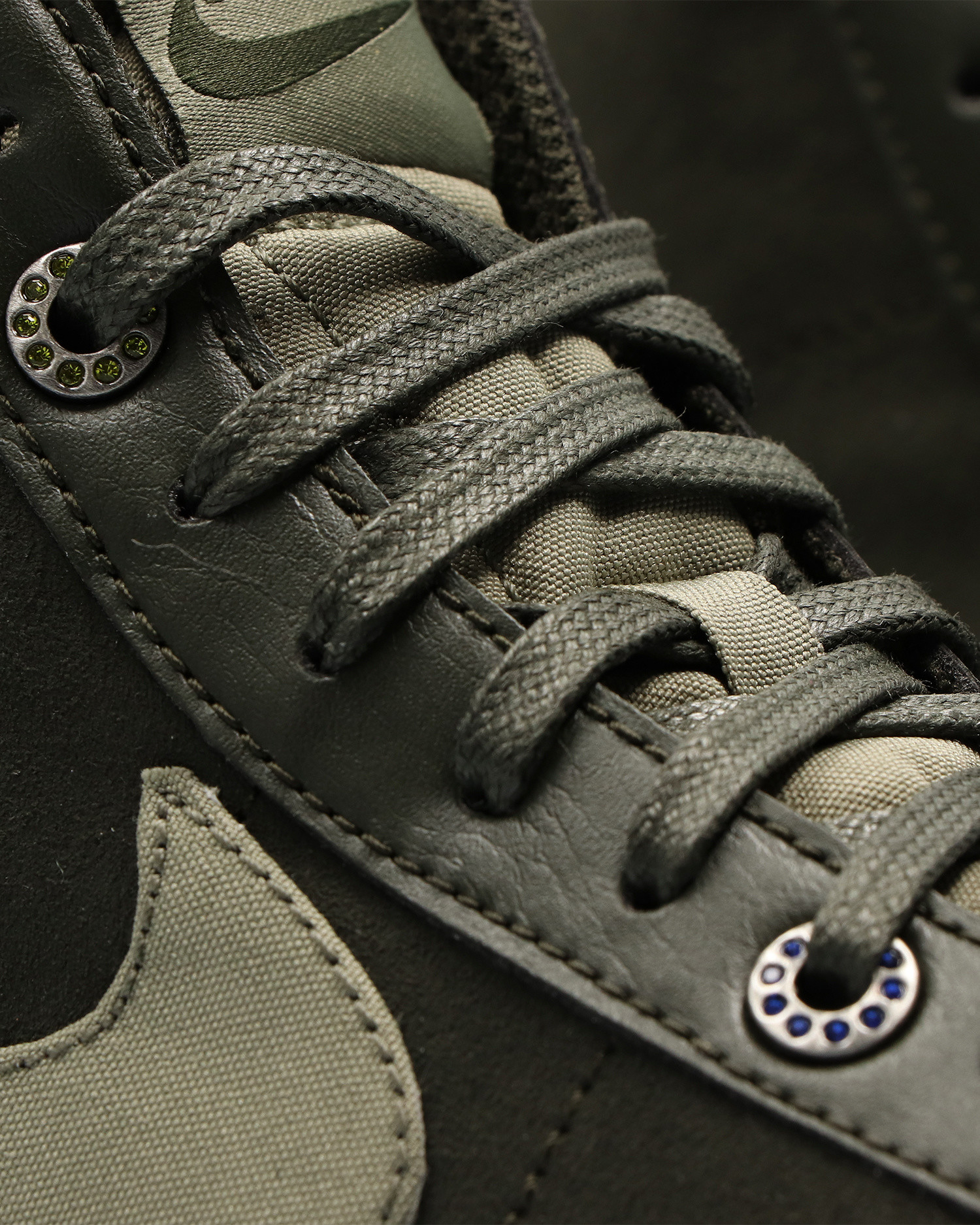 Nike Wmns Blazer Mid'77 Sequoia/light army-light silver