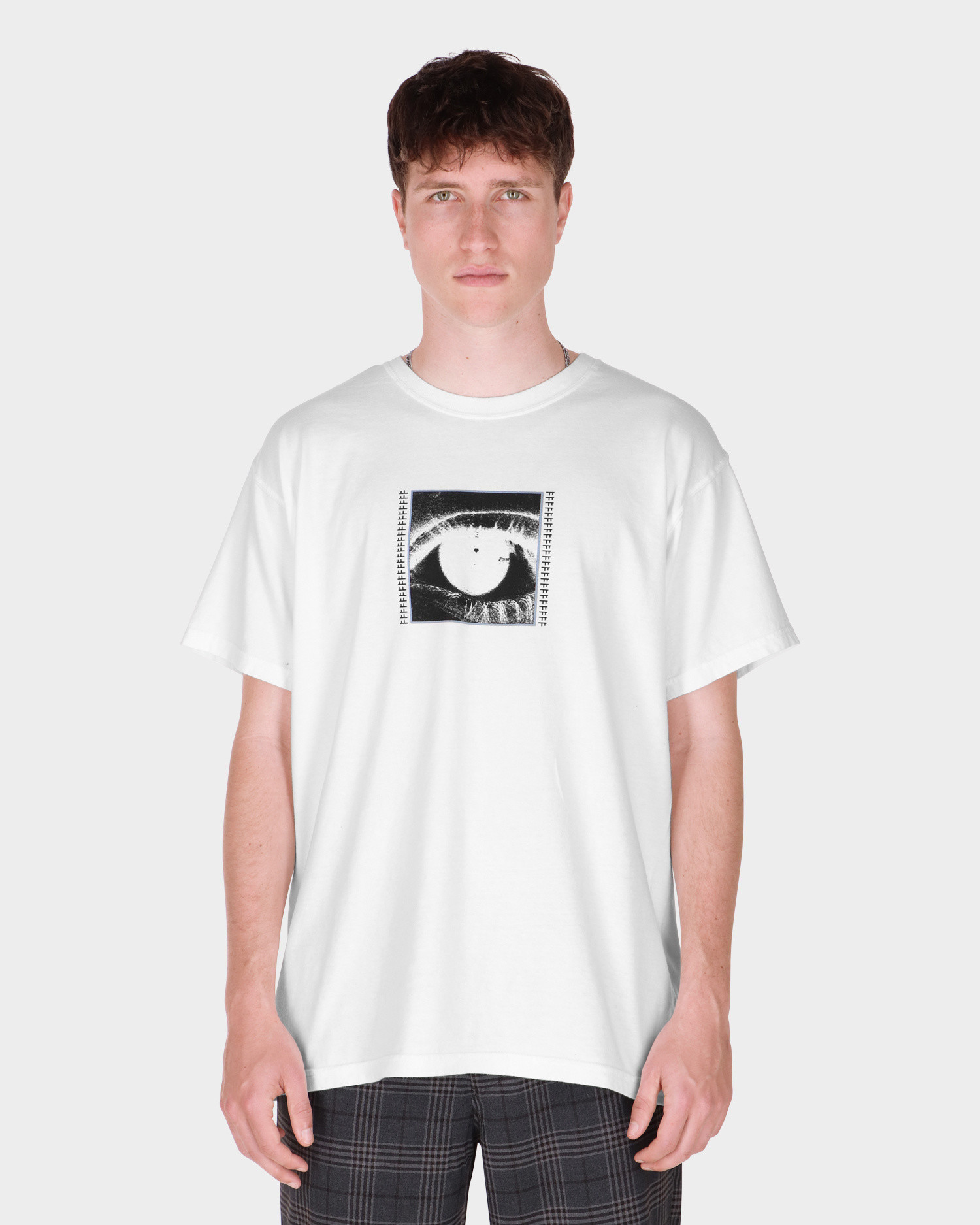 Former Quest Tee White/black