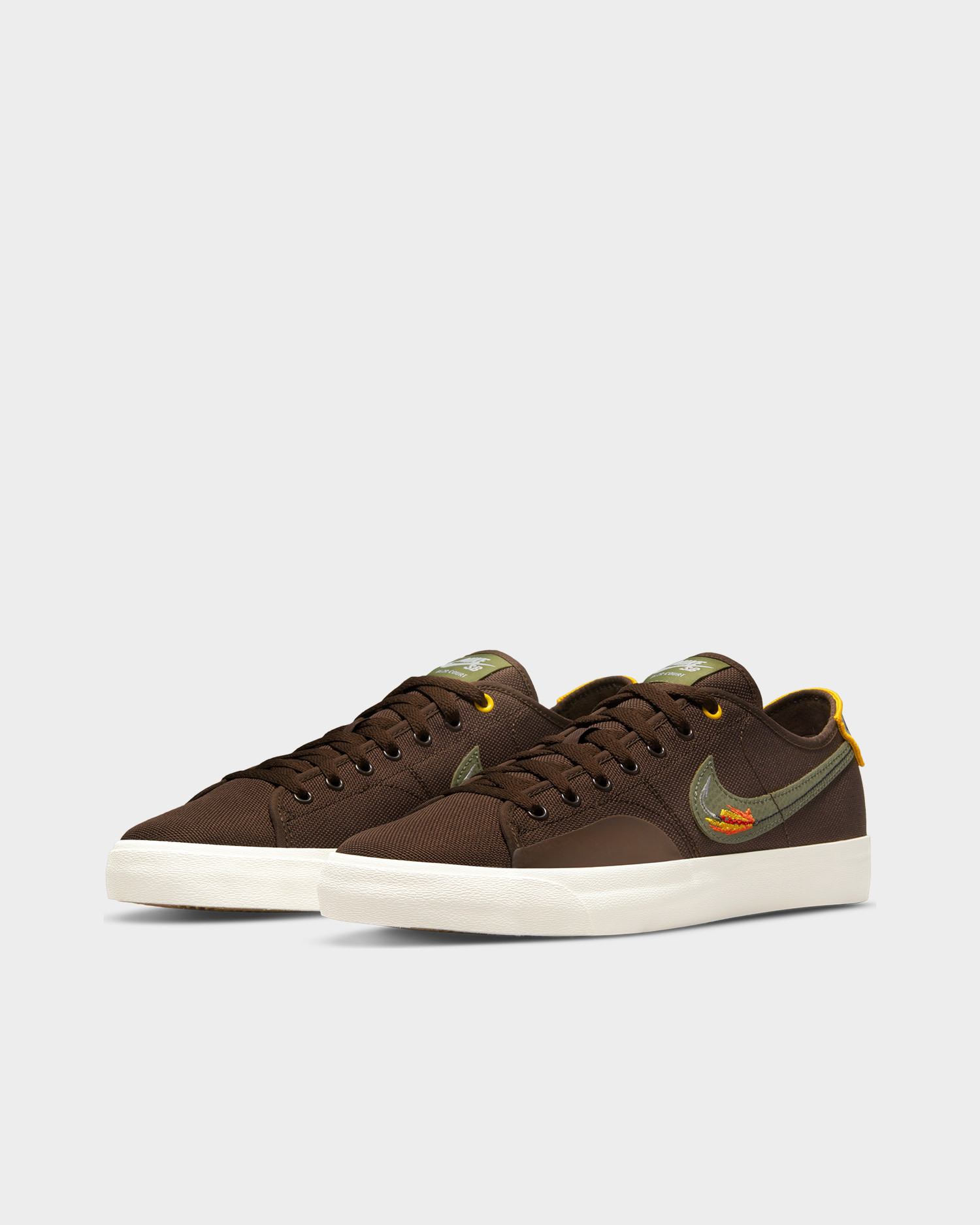 Nike sb blzr court dvdl Baroque brown/medium olive-light bone