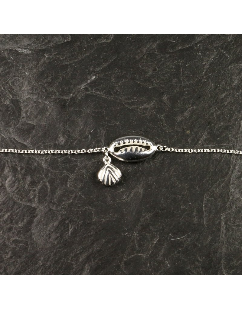 Pure Shell Bracelet
