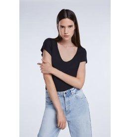 Set V T Shirt Black