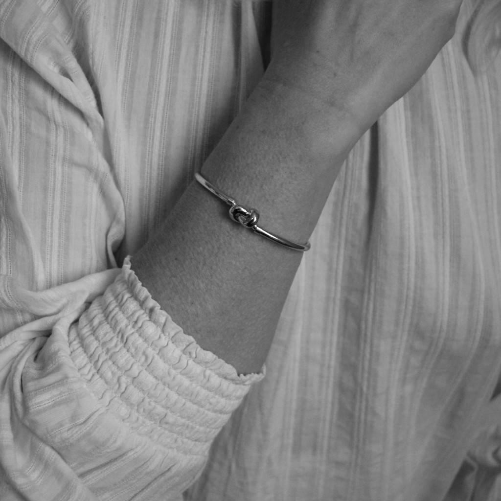 Elegance Zilveren fantasiearmband - knoop - Gerodineerd