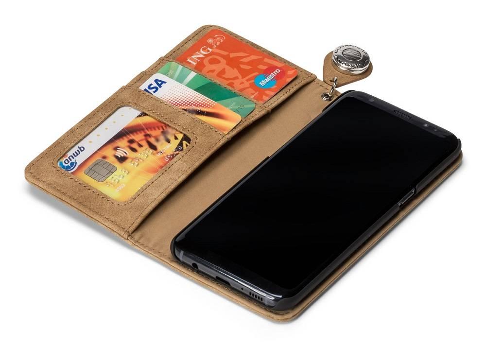 GranC GranC wallet hoes taupe met drukknopen voor de Samsung Galaxy S8