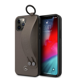 Mercedes-Benz Mercedes - Leren Backcover hoes met Handstrap - iPhone 12 Pro Max - Bruin + Lunso Tempered Glass